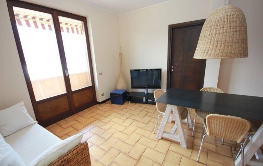 Location de vacances - Maison - Villa à Lenno - Salon/salle a manger