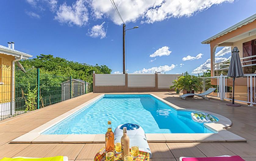 Location de vacances - Maison - Villa à Le Moule - coté est piscine
