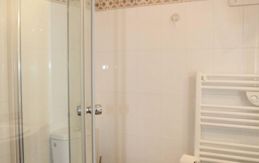 Location de vacances - Chambre d'hôtes à Porticcio - Salle d'eau rez de chaussée avec toilette