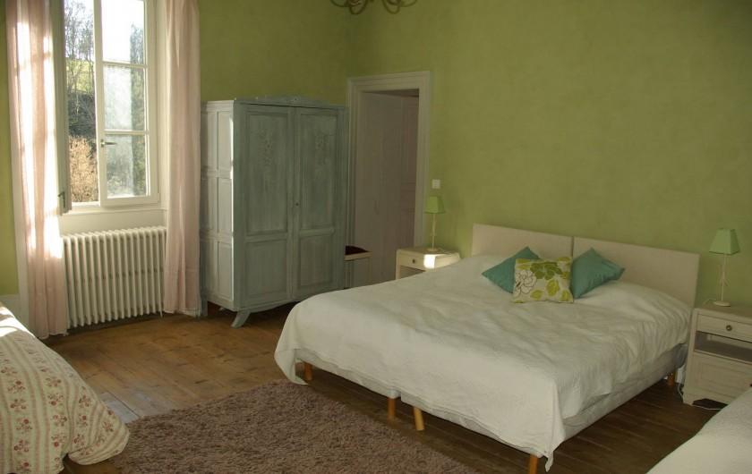 Location de vacances - Chalet à Scey-Maisières - chambre verte a 4 lits de 90 cm de large