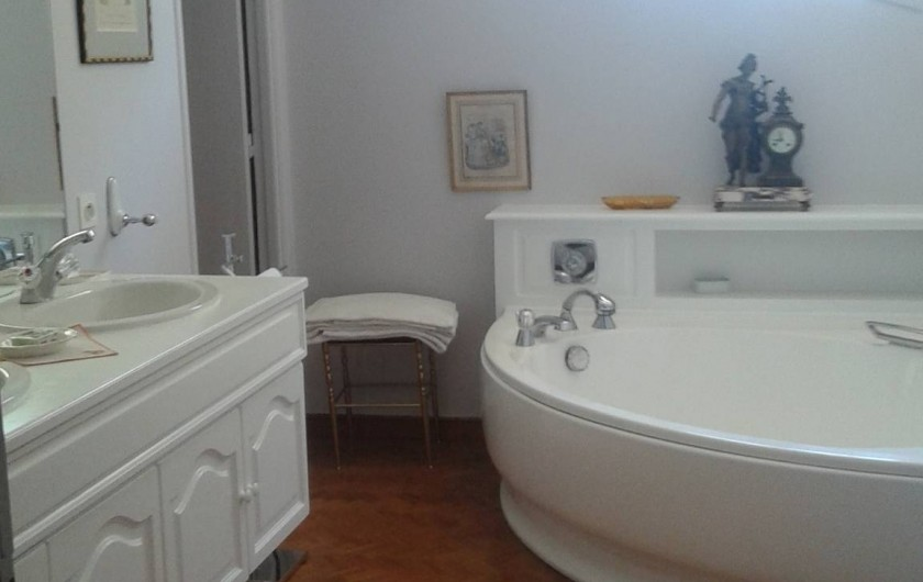 Location de vacances - Villa à Sarrians - salle de bain