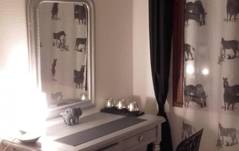 Location de vacances - Appartement à Loisy-sur-Marne - bureau dans chambre 1