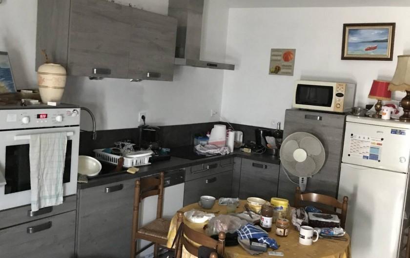 Location de vacances - Chalet à Talmont-Saint-Hilaire - La cuisine équipée avec son coin repas