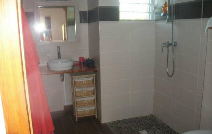 Location de vacances - Appartement à Sainte-Anne - Salle de bain