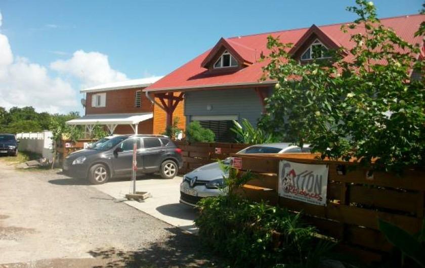 Location de vacances - Appartement à Sainte-Anne - Vue de la maison de la rue