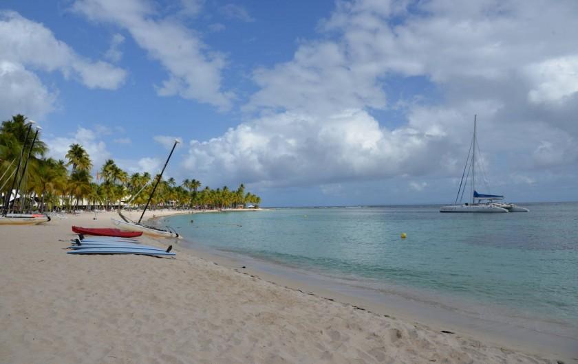 Location de vacances - Appartement à Sainte-Anne - Plage de la Caravelle club med