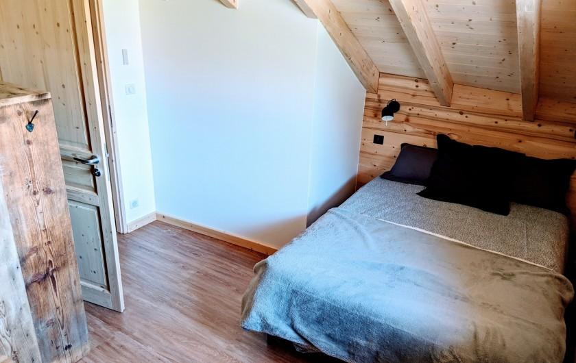 Location de vacances - Chalet à Morillon - Chambre 2 ( lit 2 pers: 140x190)