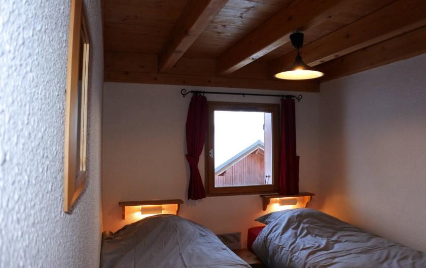 Location de vacances - Chalet à Montalbert - Chambre 2 lits simples