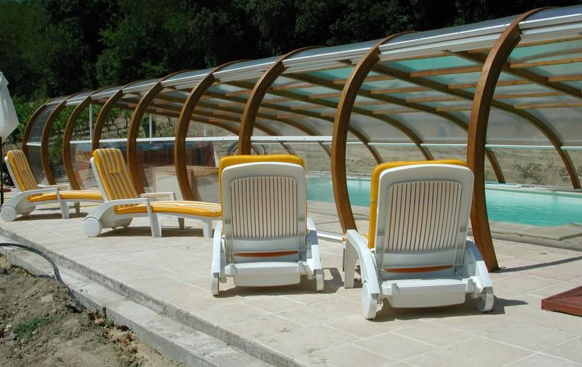 Location de vacances - Appartement à Bollène - panneaux relevable pour naviguer dessous ou dehors à votre guise