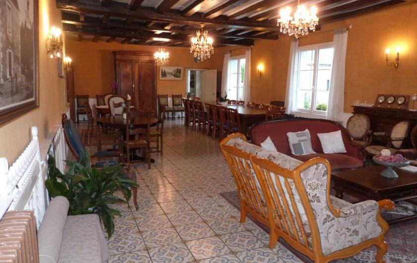 Location de vacances - Château - Manoir à Aubigné-Racan - Salle à manger /salon de 75 m2