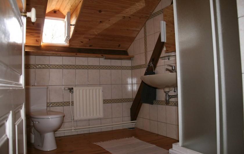 Location de vacances - Gîte à Lacam-d'Ourcet - Salle de bain, étage supérieur
