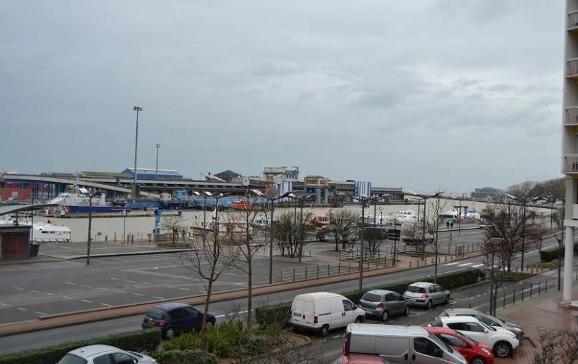Location de vacances - Appartement à Boulogne-sur-Mer - vue du port avec parking gratuit à proximité