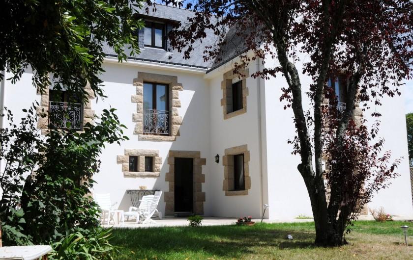 Location de vacances - Chambre d'hôtes à Île-aux-Moines - La maison façade Sud