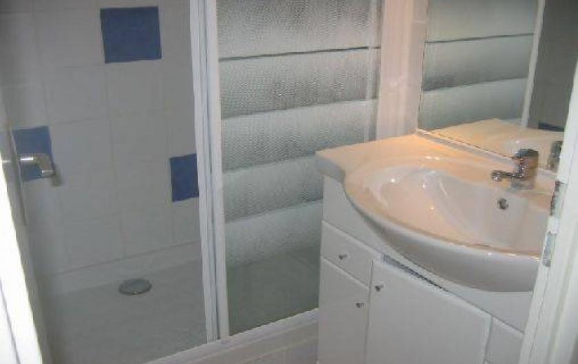 Location de vacances - Villa à Le Lavandou - La salle d'eau