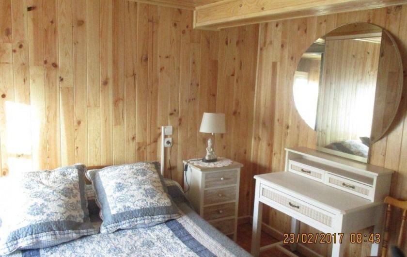 Location de vacances - Maison - Villa à Railleu - CHAMBRE 1 COIFFEUSE CHEVET