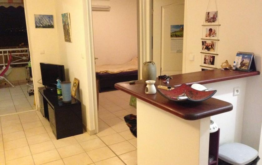 Location de vacances - Appartement à Les Trois-Îlets - Vue en entrant dans l'appartement