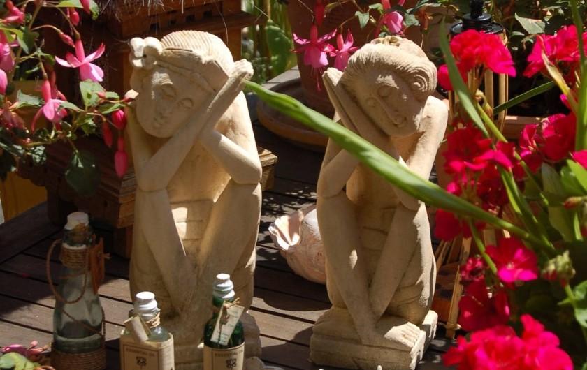 Location de vacances - Chambre d'hôtes à Marlenheim - Jardin  : un élément du décor d'inspiration indonésienne