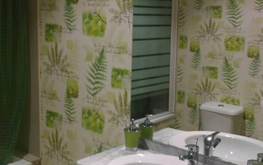 Location de vacances - Chambre d'hôtes à Poudenx - Salle de bains chambre 1