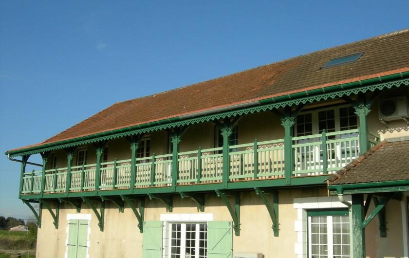 Location de vacances - Chambre d'hôtes à Poudenx - Balcon arrière