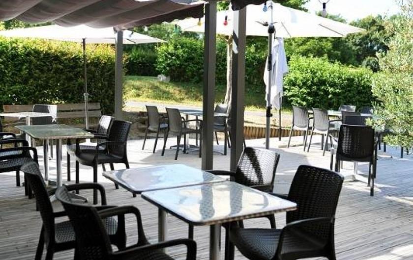 """Location de vacances - Insolite à La Châtre - Terrasse de notre restaurant """"Le Val Verre"""" ouvert 6/7j en été"""