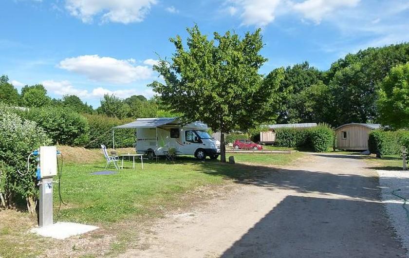 Location de vacances - Insolite à La Châtre - emplacements de camping grand-confort, au soleil ou bien à l'ombre