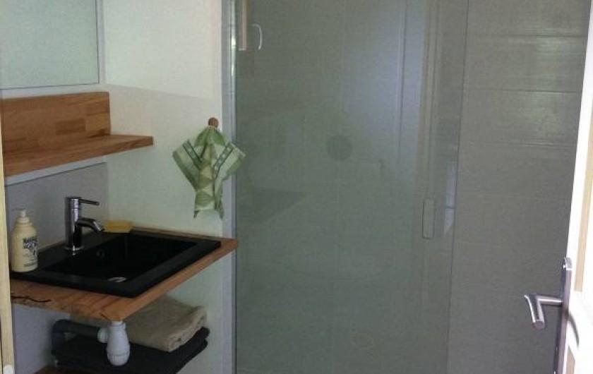 Location de vacances - Insolite à La Châtre - salle de douche - cabanes