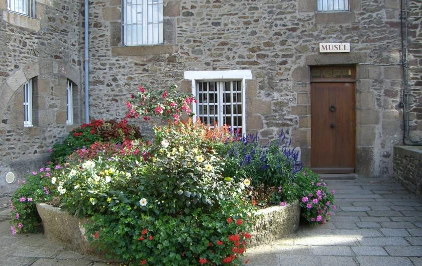 Location de vacances - Appartement à Granville - L'entrée du Musée