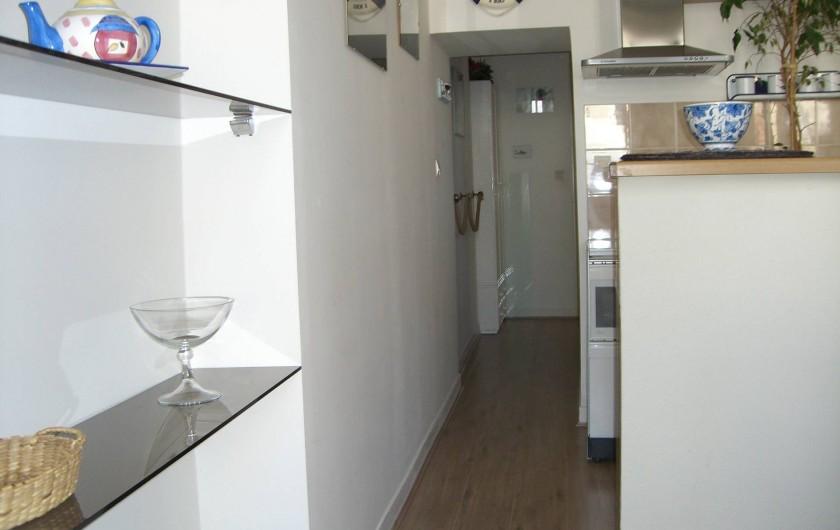 Location de vacances - Appartement à Granville - L e Couloir vers La Chambre et Salle de Bains