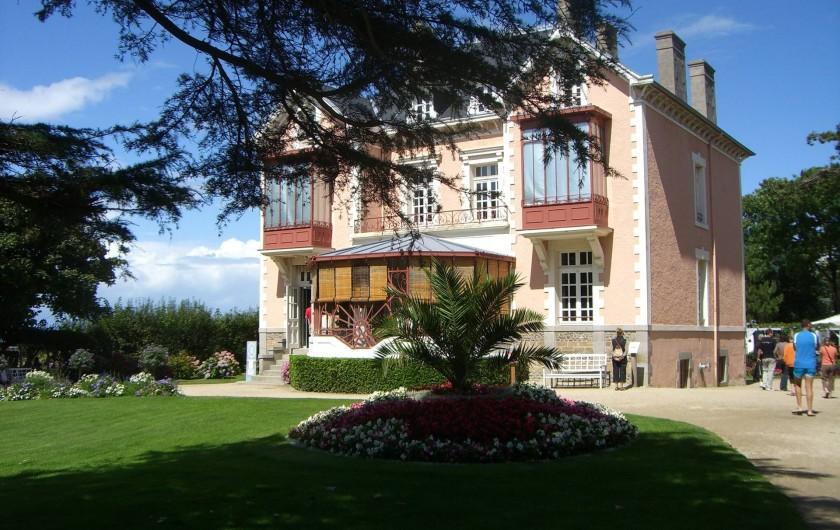 Location de vacances - Appartement à Granville - La Maison du Célèbre Couturier Christian Dior