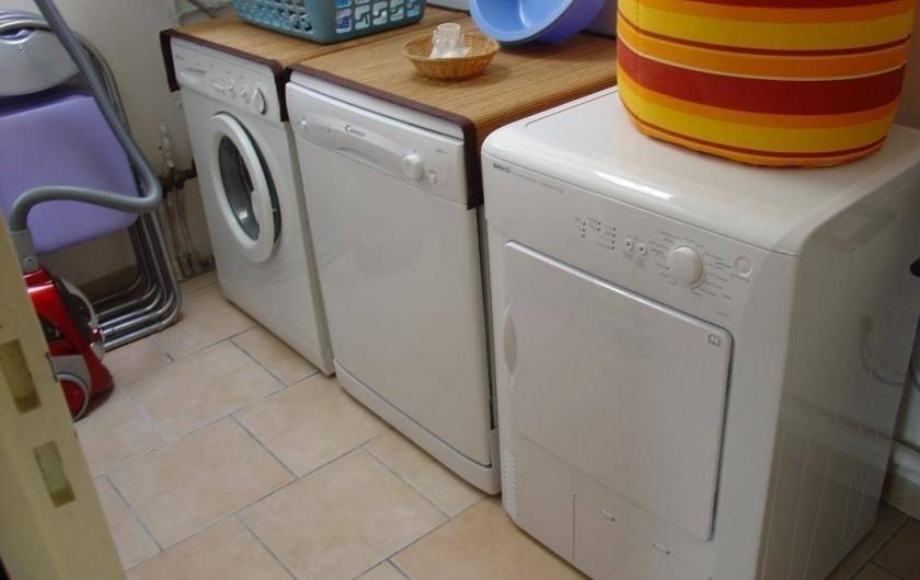 Location de vacances - Gîte à Arces - Machine-à-laver, sèche-linge et lave-linge