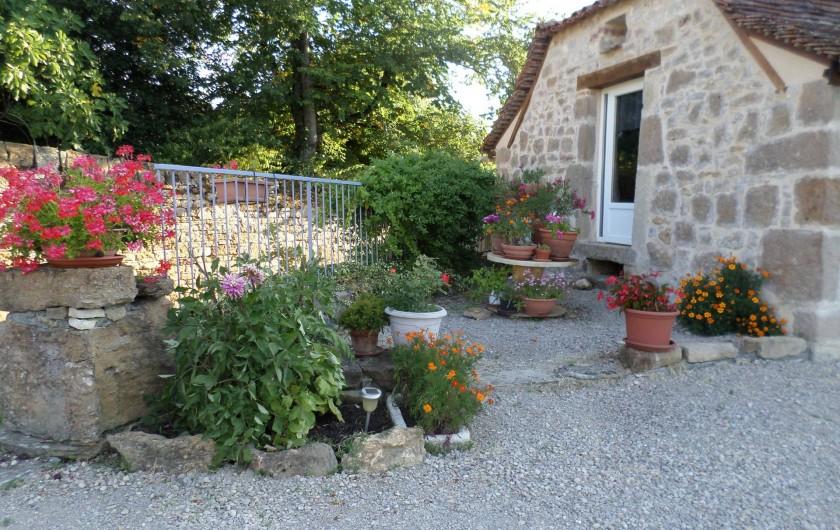 Location de vacances - Maison - Villa à Causse-et-Diège - entrée de cour