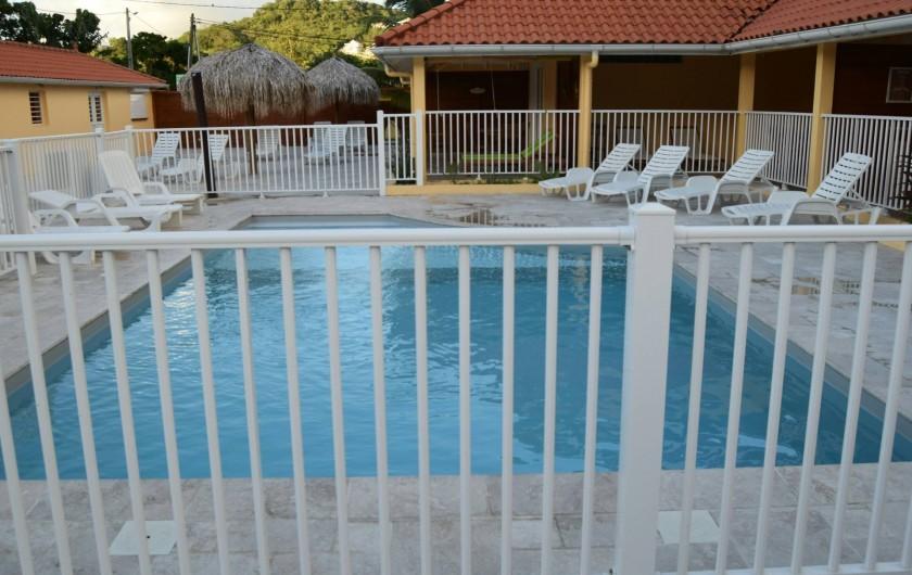 Location de vacances - Appartement à Les Trois-Îlets - Piscine chauffée, sécurisée