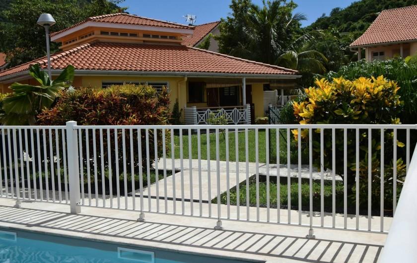 Location de vacances - Appartement à Les Trois-Îlets - Appartement de plein pied