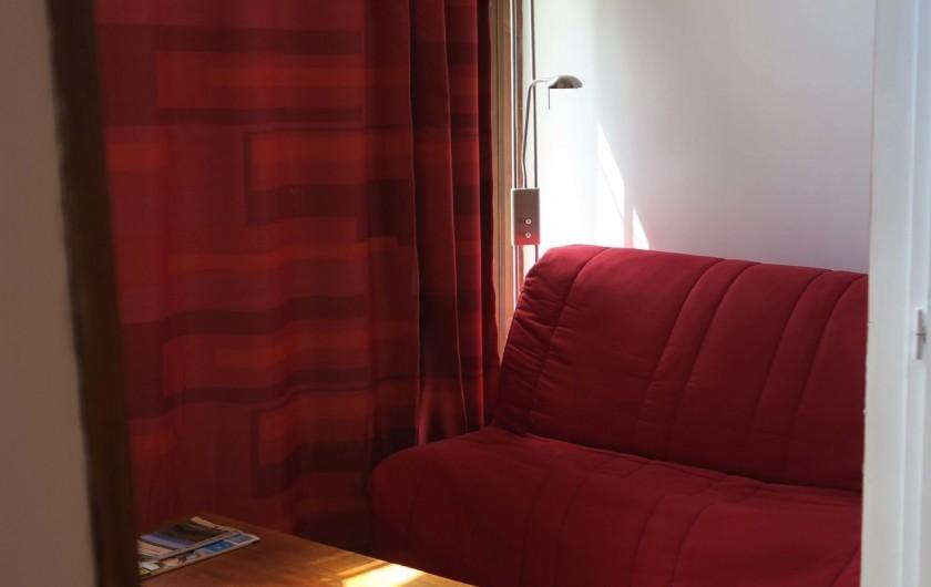 Location de vacances - Gîte à Marvejols - séjour bleu 1er étage