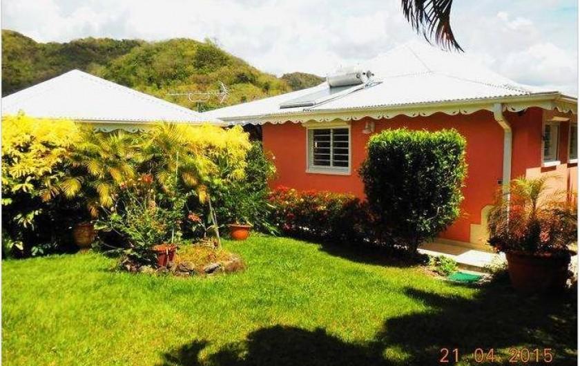 Location de vacances - Villa à Le Marin - villa côté jardin