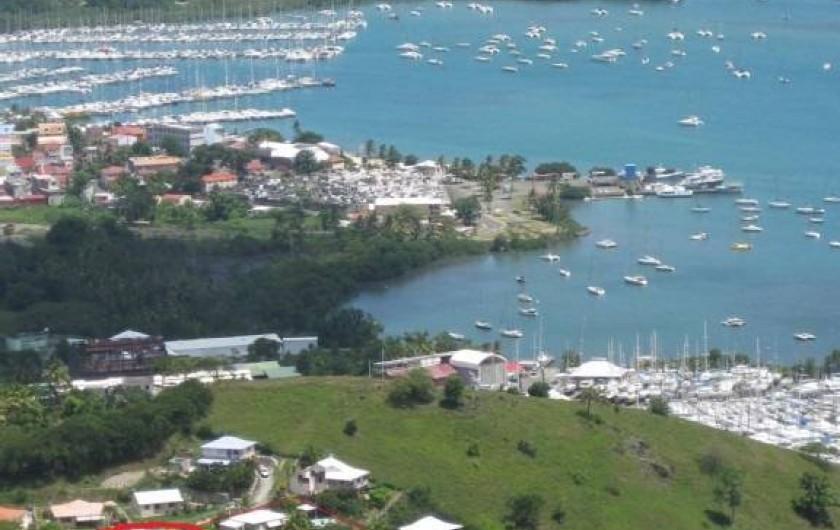 Location de vacances - Villa à Le Marin - vue villa entourée en rouge proche de toutes commodités