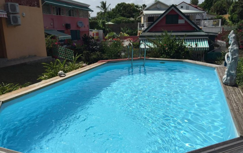 Location de vacances - Bungalow - Mobilhome à Sainte-Anne - Bungalow 1 vu de la piscine