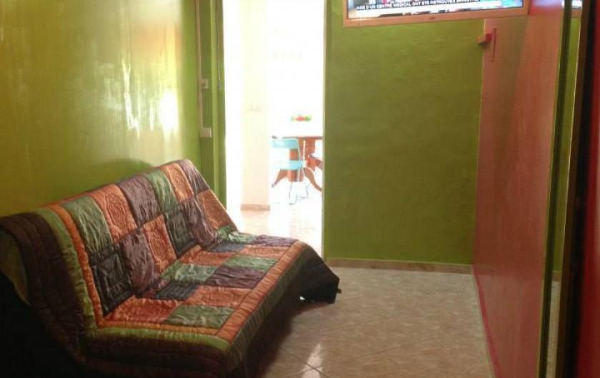 Location de vacances - Bungalow - Mobilhome à Sainte-Anne - Appartement T3 Ibis Rouge Chambre 2 couchages 4 personnes, TV lcd, clim