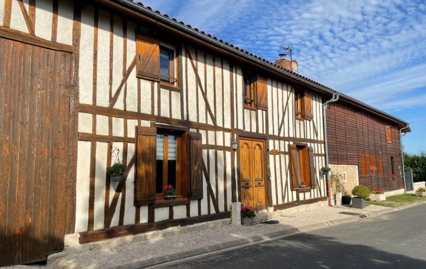 Location de vacances - Villa à Écollemont - Une grande bâtisse de 360 m2, tout à pan de bois.