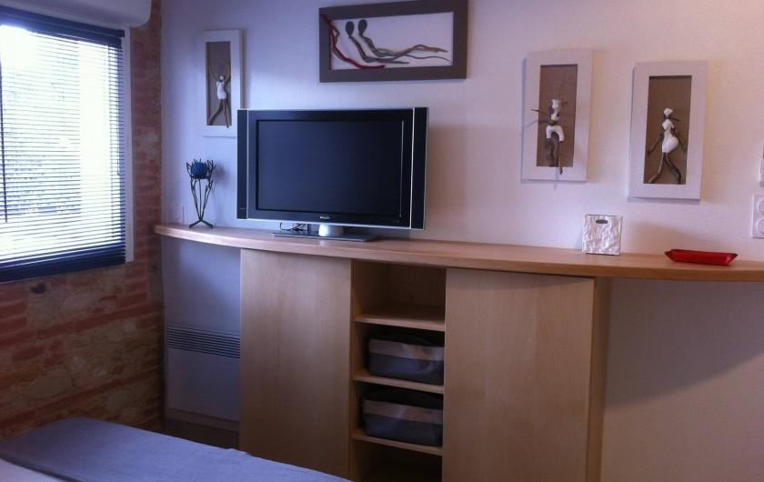 Location de vacances - Villa à La Palme - coin TV et meuble de rangement