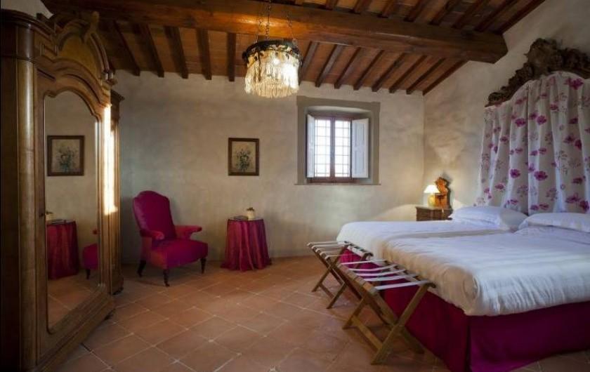 Location de vacances - Villa à San Donato In Collina - Chambre double avec salle de bain - adaptée pour personnes handicapées