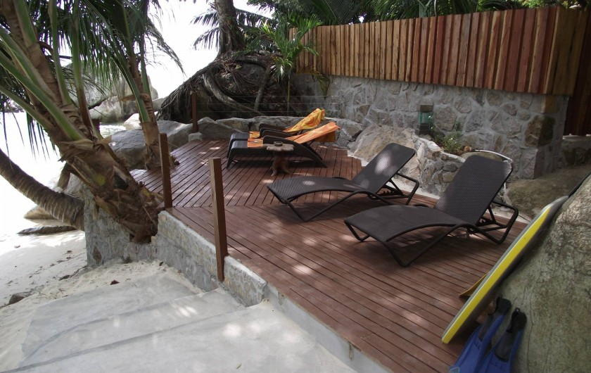 Location de vacances - Villa à Mare Anglaise - Sundeck by the beach with 6 sun loungers