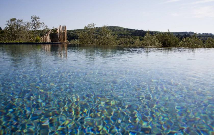 Location de vacances - Villa à San Donato In Collina - Piscine a debordement