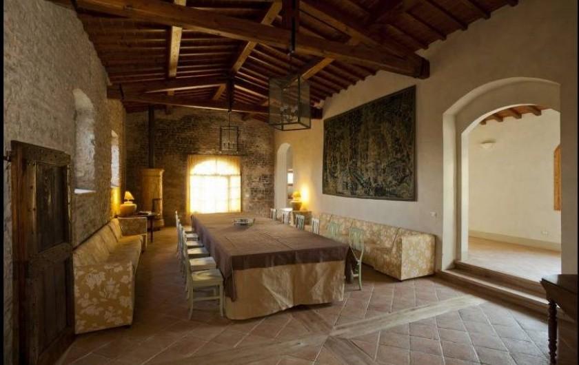 Location de vacances - Villa à San Donato In Collina - Grand salon avec table longue