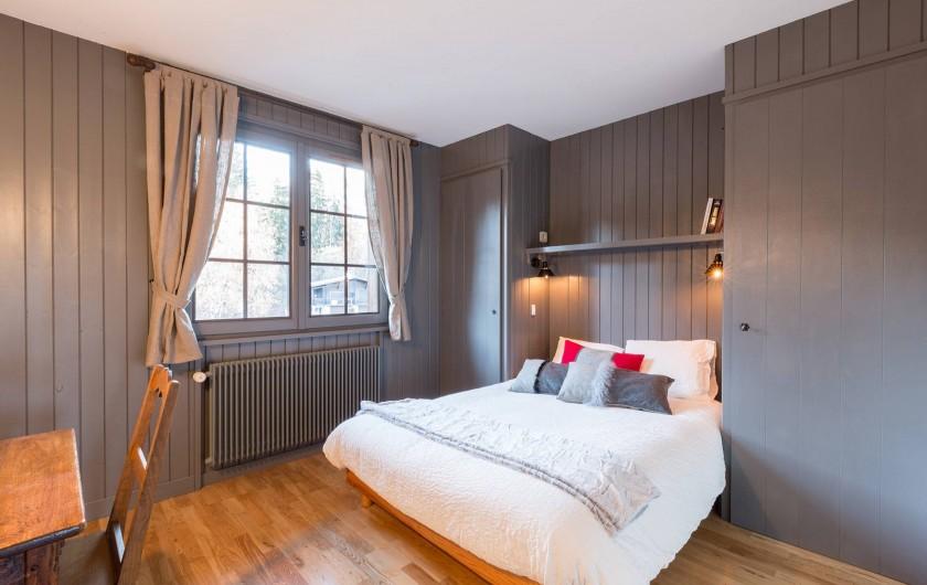 Location de vacances - Appartement à Combloux - chambre principale