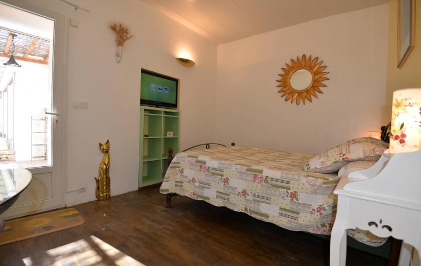 Location de vacances - Chambre d'hôtes à Apt - chambre LAVANDE  entrée indépendante 76 euros 2personnes lit140