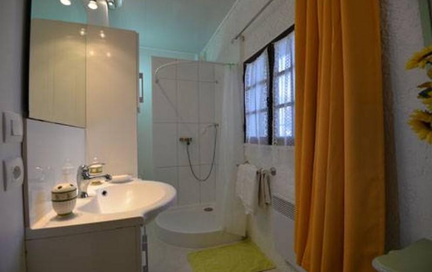 Location de vacances - Chambre d'hôtes à Apt - salle de bains CH  LAVANDE