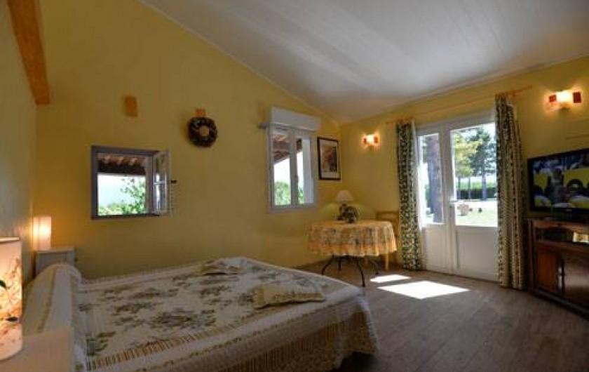 Location de vacances - Chambre d'hôtes à Apt - Chambre COLORADO lit 180 tarif 81 euros 2 pers