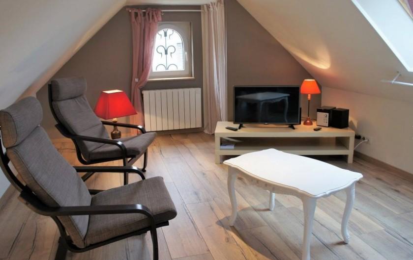 Location de vacances - Maison - Villa à Roscoff - salon bibliothèque en mezzanine