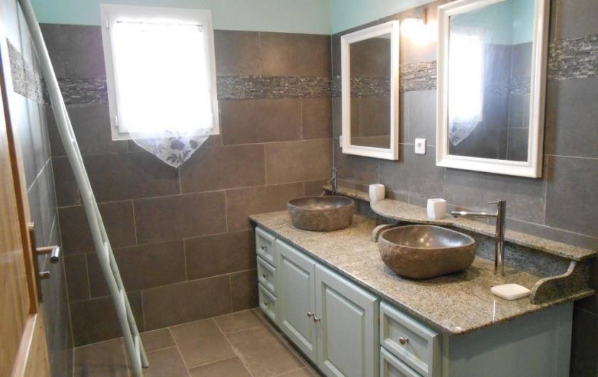 Location de vacances - Villa à Aregno - salle d'eau